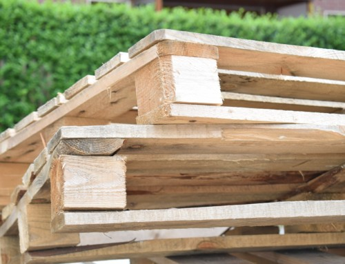 Wood Versus Plastic Pallets: The Pros and the Cons